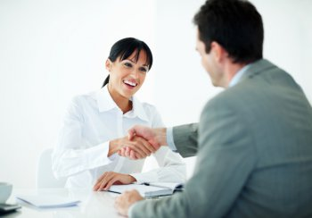 business_people_shaking_hand_0